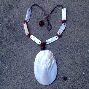 Vintage Big Shell Statement Necklace